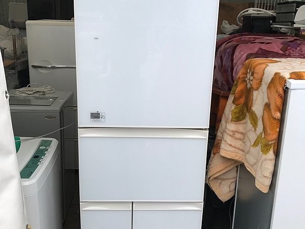 冷蔵庫買取致しました!!! 東芝 420リッター 5ドア冷蔵庫 30,000円!!!の画像