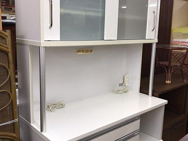食器棚買取します!!! 出張買取します!!!の画像